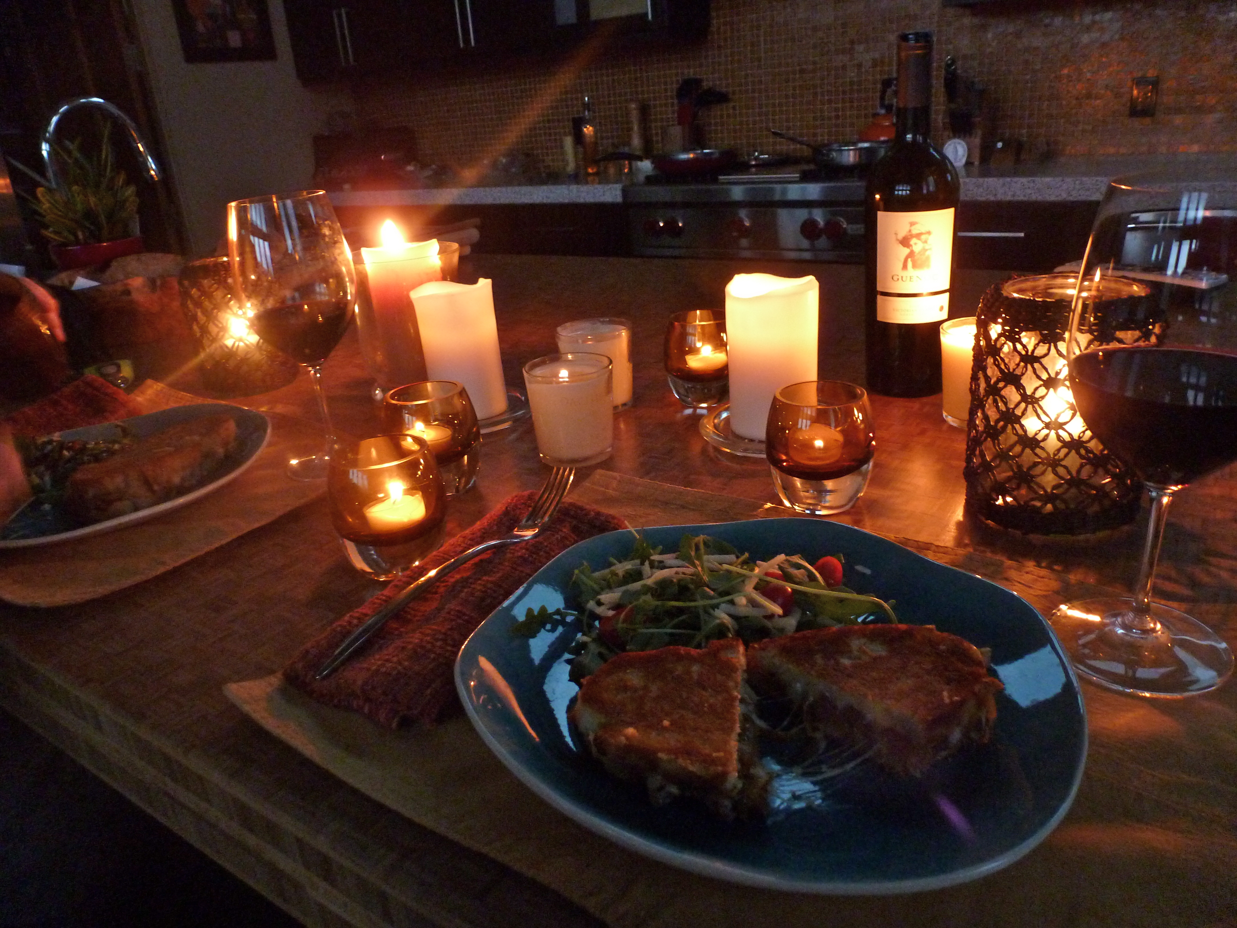 Candle light dinner table for two - Image
